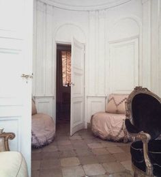 The oval salon of the Paris apartment of Pauline de Rothschild. Taken in 1969 by Horst.