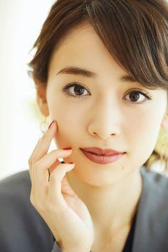 Office Makeup, Japan Girl, Japanese Beauty, Office Ladies, Bruce Lee, Asian Woman, Cute Girls, Eye Makeup, Sexy Women