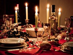 getntogether: How to throw a progressive dinner Progressive Dinner, Valentine Chocolate, Valentines Day Desserts, Low Carb Chocolate, Dinner For Two, Eat Smarter, Holiday Parties, Dinner Parties, Party Planning