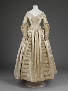 Wedding Dress 1841 The Victoria & Albert Museum