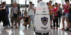 En el aeropuerto de Shenzhen ya hay un policía robot - http://www.absolut-china.com/aeropuerto-de-shenzhen-ya-policia-robot/