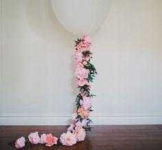 Globo decorado con flores
