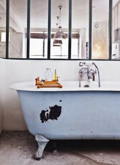 La baignoire sur pieds