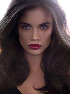 Sara Sampaio makeup