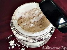 Homemade Mineral Veil (Finishing Powder) Recipe
