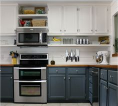 Love the two different colors for upper & lower cabinets!