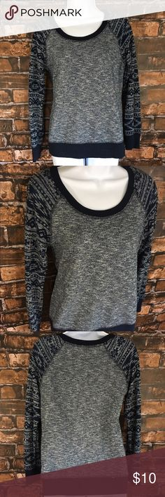 Cozy Maurice's scoop neck Excellent condition scoop neck longsleeve top 100% cotton. Beautiful with a pair of jeans and boots this winter hipster says so! :-) Maurices Tops Sweatshirts & Hoodies