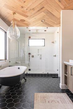 Bathroom Renos, Bathroom Ideas, Bathroom Designs, Bathroom Renovations, Large Bathroom Design, Small Full Bathroom, Houzz Bathroom, Master Bathroom Layout, Bathroom Floor Plans