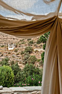hip living in Tinos