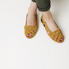 Doreen | Shop at Onyva.ch ° #shoes #lagarconne #shuhe #summershoes #onyva #fashion #design #shoedesign #cuteshoes #walk #madeforwalking #zurich #switzerland #onlinestore
