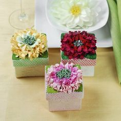 (I can do this..) Flower Gift Box by Beau-coup