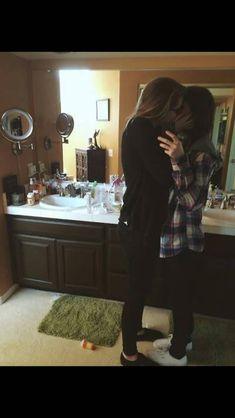 Cute Lesbian Couples, Lesbian Pride, Lesbian Love, Tumblr Relationship, Cute Relationships, Yuri, Want A Girlfriend, Love Always Wins, Lesbians Kissing
