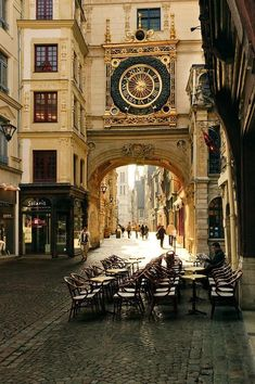 A sunny morning in Rouen, France.