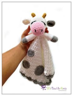 White and Grey Cow Crochet Lovey Baby blanket by MiBaulDeAmis Crochet Cow, Crochet Lovey, Crochet Elephant, Manta Crochet, Crochet Pillow, Crochet Baby Hats, Baby Blanket Crochet, Crochet Yarn, Crochet Animals
