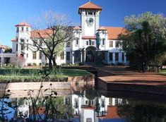 Vermiste Kovsie-student sterf kort na sy gevind word Free State, South Africa, Student, Mansions, House Styles, Image, Southern, Home Decor, Decoration Home