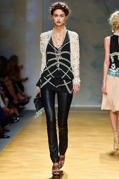 Nicole Miller Spring 2014 Ready-to-Wear Fashion Show Collection