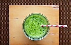 Nutrients In Disguise: Kale, Spinach & Pear Smoothie