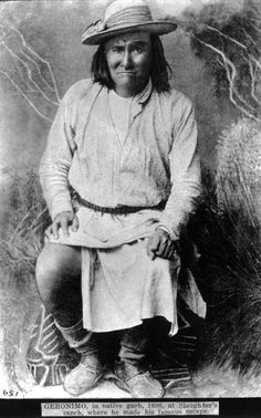 Goyaale (aka One Who Yawns, aka Smart One, aka Geronimo) - Chiricahua Apache - 1886