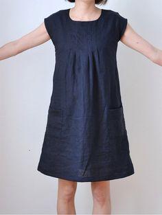 """So ist auch ein Kleid bereits fertig geworden - es ist das Modell C aus """"Kleider, Tops und Hosen"""" von Yoshiko Tsukiori."""