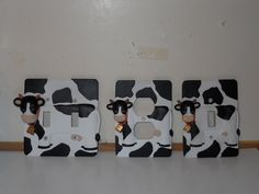 COW 3 PC. DOUBLE SINGLE SWITCH PLATE & OUTLET COVER