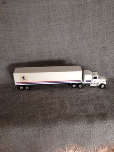 USPS White Mail Diecast 18 wheeler Truck 1/64 Scale #Ertl #FordLTL9000withsleeper