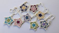 A colourful crocheted star garland that looks amazing in a girls bedroom or nursery!