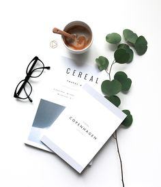 Another flatlay ideas Photo Pour Instagram, Book Instagram, Flat Lay Photography Instagram, Yellow Photography, Coffee Photography, Book Flatlay, Flat Lay Inspiration, Flat Lay Photos, Photo Grid