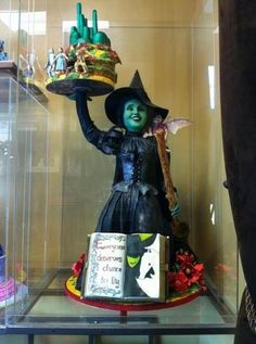 #WizardOfOz Awesome #Cake!! We love and had to share!