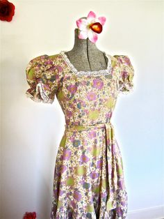 Sz. S 70s Laura Ashley Maxi Dress Lavender by LikewiseVintage