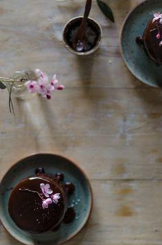 Pastel de chocolate de Linda Lomelino | Linda Lomelino´s Recipe Chocolate Cake http://saboresymomentos.es