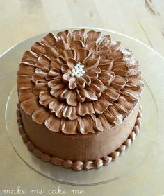 Easy Decoration for Chocolate Cake . 21 Lovely Easy Decoration for Chocolate Cake . Cake Decorating Techniques, Cake Decorating Tutorials, Cookie Decorating, Cupcakes, Cupcake Cakes, Frosting Recipes, Cake Recipes, Flower Cake Toppers, Cake Icing
