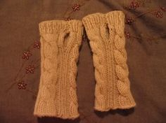 Free Knitting Pattern - Fingerless Gloves & Mitts: Wrist Warmer