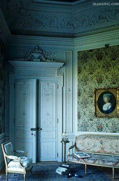 Comtesse de Provence's music pavilion in Versailles, #versailles #france…