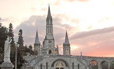 Ambiente sobrenatual del Santuario de Lourdes - El Perú necesita de Fátima