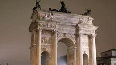 Il «New York Times»ha piazzato Milano al primo posto tra 52 destinazioni nel mondo da vedere nel 2015, subito davanti a Cuba, in seconda posizione, e Philadelphia, in terza. «Una città rivitalizzata dà il benvenuto al mondo – scrive il magazine americano – L'Italia è ricca di città romantiche come Firenze, Venezia, Roma però adesso la più vibrante potrebbe essere proprio Milano e per i turisti questo è l'anno per scoprire il suo charme visto che ospiterà Expo, al quale sono attesi 20 milioni…