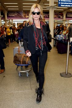 Kate Moss Fashion, News, Photos and Videos - Vogue Die Queen, Queen Kate, Celebrity Dresses, Celebrity Style, Estilo Kate Moss, Looks Rock, Kate Moss Stil, Black Fringe Boots, Moss Fashion