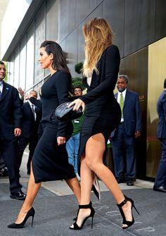 Kim Kardashian & Khloe Kardashian