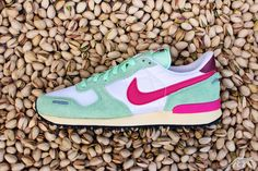 Nike Air Vortex Vintage V-Series - Pistazie/Weiss/ Pink