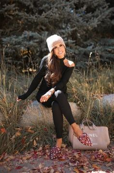 16 Thanksgiving Outfit Ideas For Fall OR Winter Weather + Louis Vuitton Wallet Giveaway! Neverfull Gm, Louis Vuitton Neverfull, Something Navy, All Black Looks, Nordstrom Anniversary Sale, Thanksgiving Outfit, Louis Vuitton Wallet, Sport, Autumn Fashion