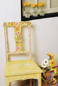 Com uma cadeira, pincel e tintas você podefazer uma peça delicada para enfeitar avaranda,o quintal e até mesmo asala.