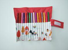 """Pochette crayons de couleurs """"petit chaperon"""""""