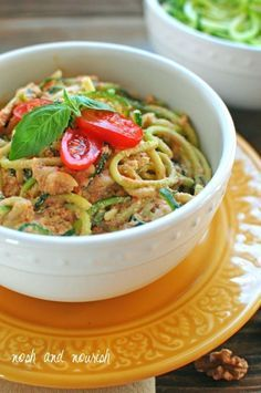 Red Pepper Alfredo | 13 Vegan Recipes Even Picky Eaters Will Love – More at http://www.GlobeTransformer.org