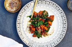 Jessica Murnane shares her Za'atar Sweet Potatoes and Garlicky Kale recipe as the perfect healthy, bloat-busting holiday side. Zatar Recipes, Kale Recipes, Entree Recipes, Healthy Recipes, Healthy Foods, Thanksgiving Sides, Thanksgiving Recipes, Easy Cooking, Kitchens
