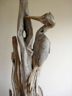 creative DriftWood Art: Vincent Richel gathers driftwood from lakes in Western Mountains of Maine, cleans wood, creates sculptures inspired by surroundings. The sculptures pay homage to the cycle of life. Driftwood Beach, Beach Wood, Driftwood Art, Beach Art, Driftwood Sculpture, Sculpture Art, Sculptures, Driftwood Projects, Muse Art