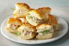 Salty Foods, Salty Snacks, Salmon Appetizer, Real Food Recipes, Yummy Food, Xmas Food, Winter Food, Food Hacks, I Foods