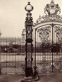 Charles Marville: Parc Monceau (Globe en cristal). 1870's, Albumen print from wet collodion negative