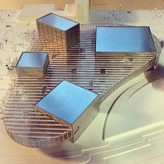 by @radiotelevisionsuisse #maquette #architecture #campus #RTS future passerelle #médias (#tv, #radio et #numérique) entre l'#unil (@unilch) et l'#epfl (@epflcampus). Horizon 2019-2020