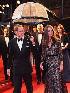 Prince William & Kate at the War Horse Premier just before her 30th b-day - she's looking absolutely stunning as always!!