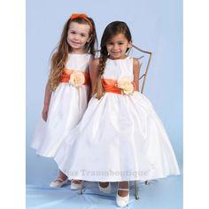 Raquel - schlichtes Festkleid Gr. 68 bis 164 weiß oder creme, Schärpe in 22 Farben erhältlich