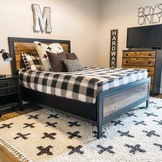 The perfect boys room, and all you do is ZIP! 📷: @mcphersonmanor #beddys #zipperbedding #zipyourbed #girlbedding #girlbed #beddysbeds #girlyroom #girlsroomdecor #girlsroom #girlsroominspo #girlsroominspiration #girlsroomdecoration #girlsroomstyljng #girlystuff #bedding #beddings #homedecor #homedesign Beddys Bedding, Zipper Bedding, Days In February, Perfect Boy, Make Your Bed, Boy Room, Bunk Beds, Room Inspiration, Toddler Bed